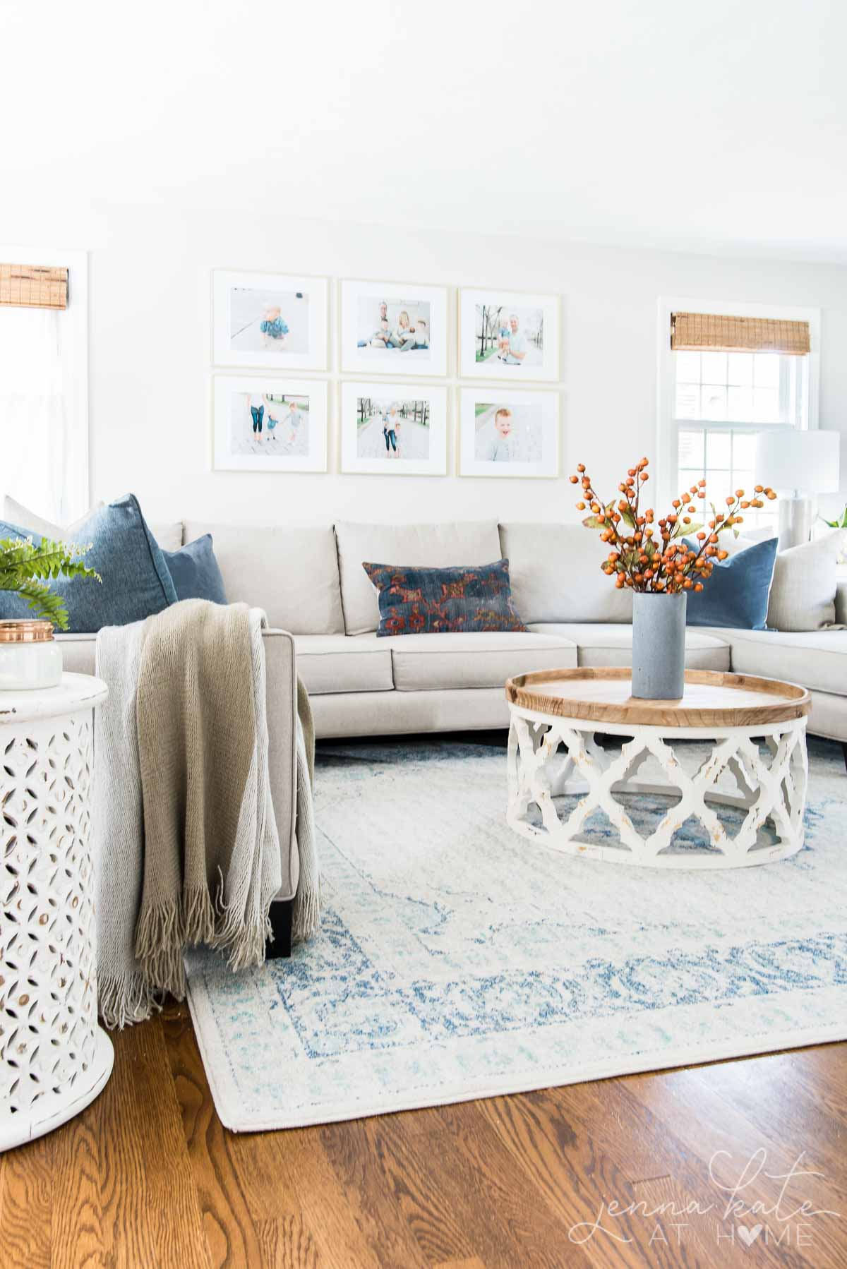 Uncluttered fall living room decor