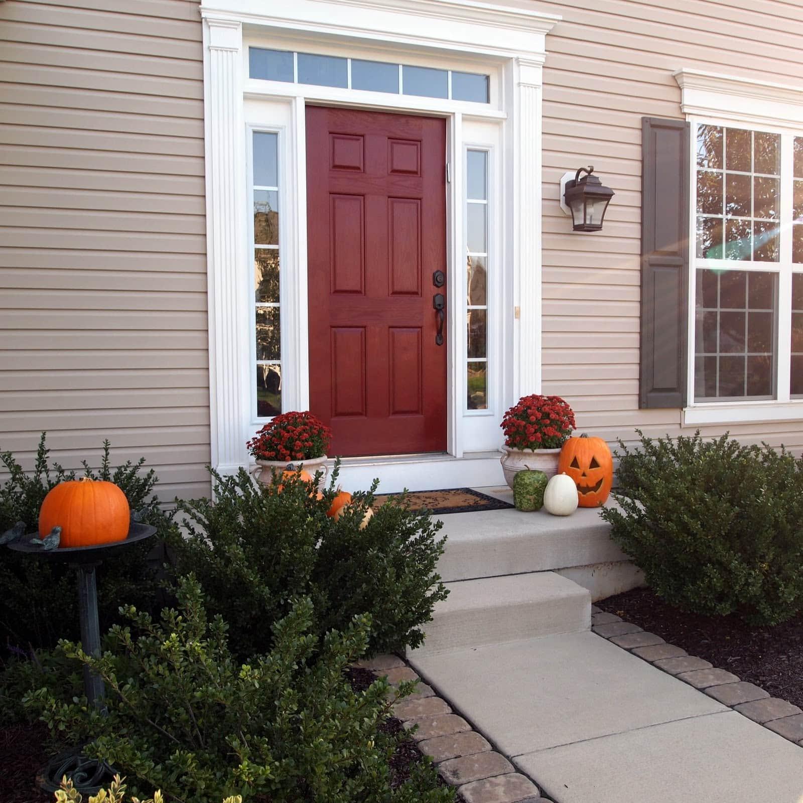 Benjamin Moore Sundried Tomato front door paint color