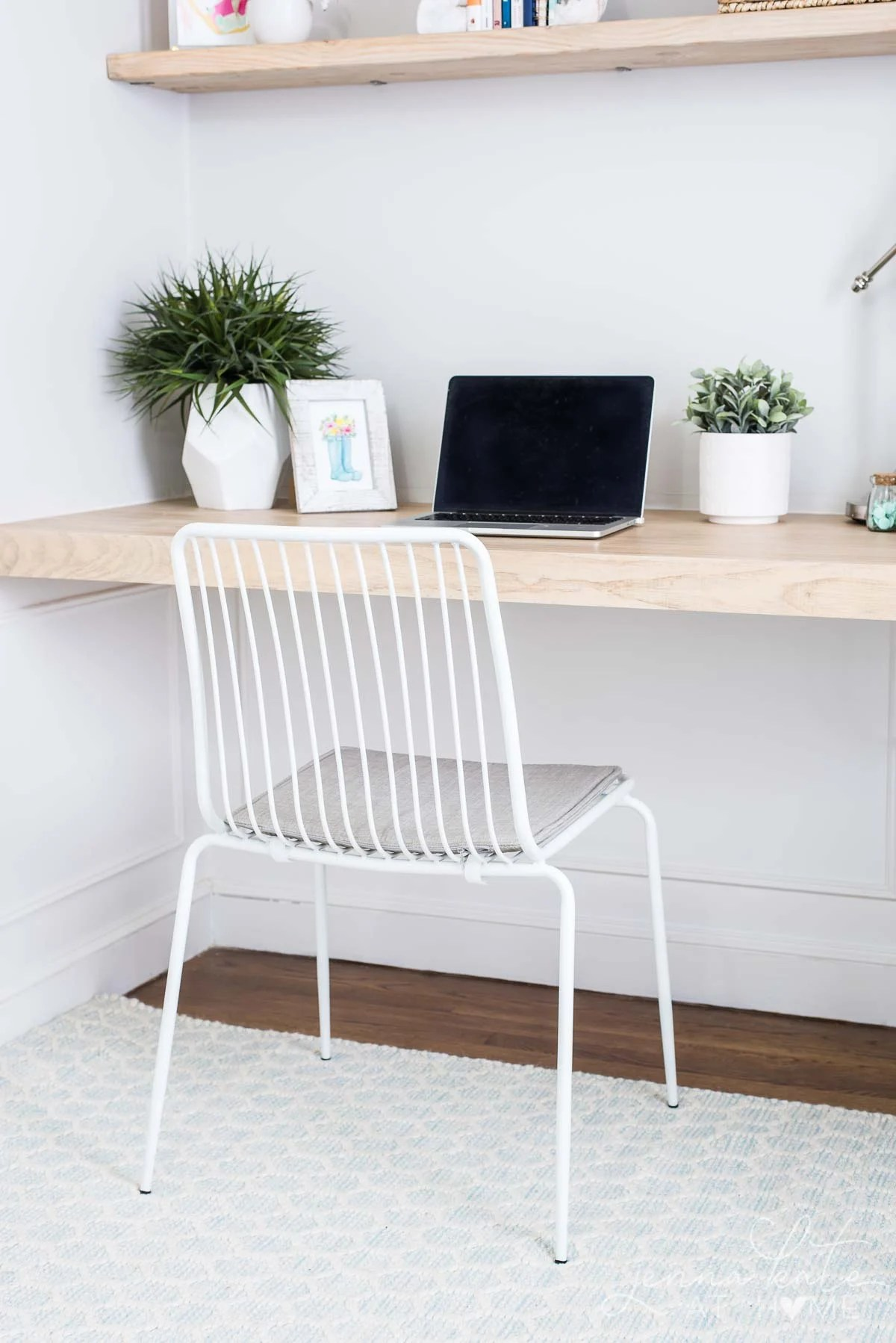 Home office desk nook