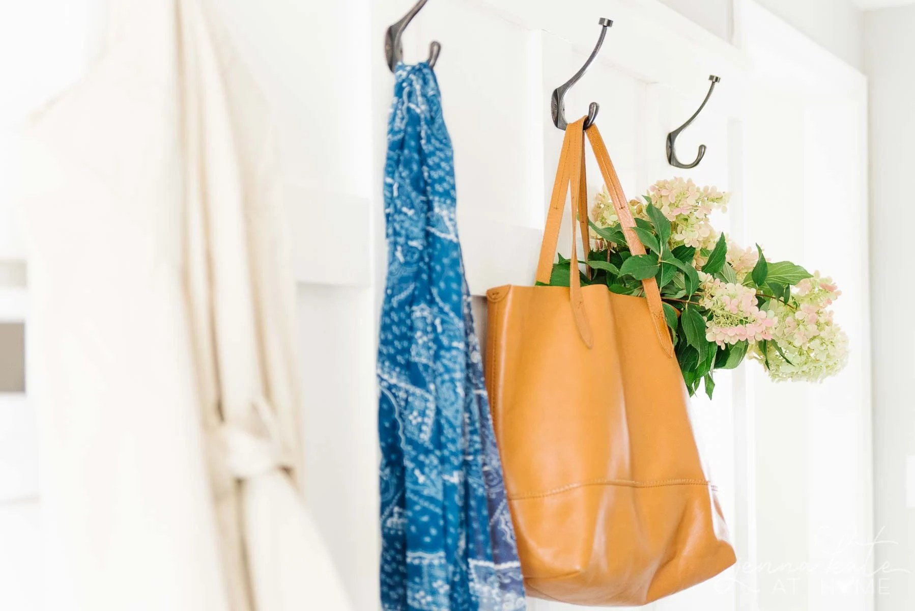 Natural decorating ideas for the mudroom