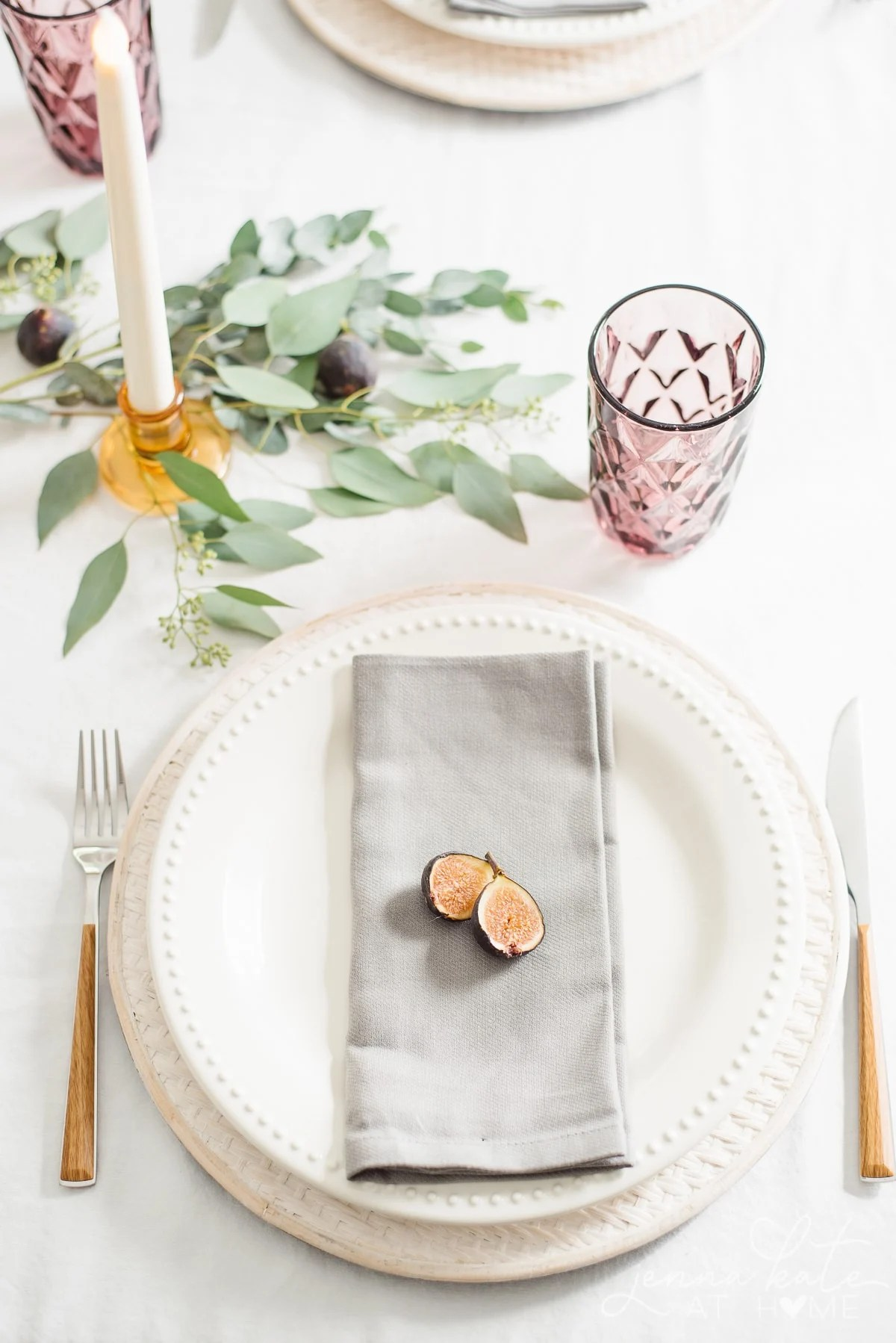 Simple fig place setting