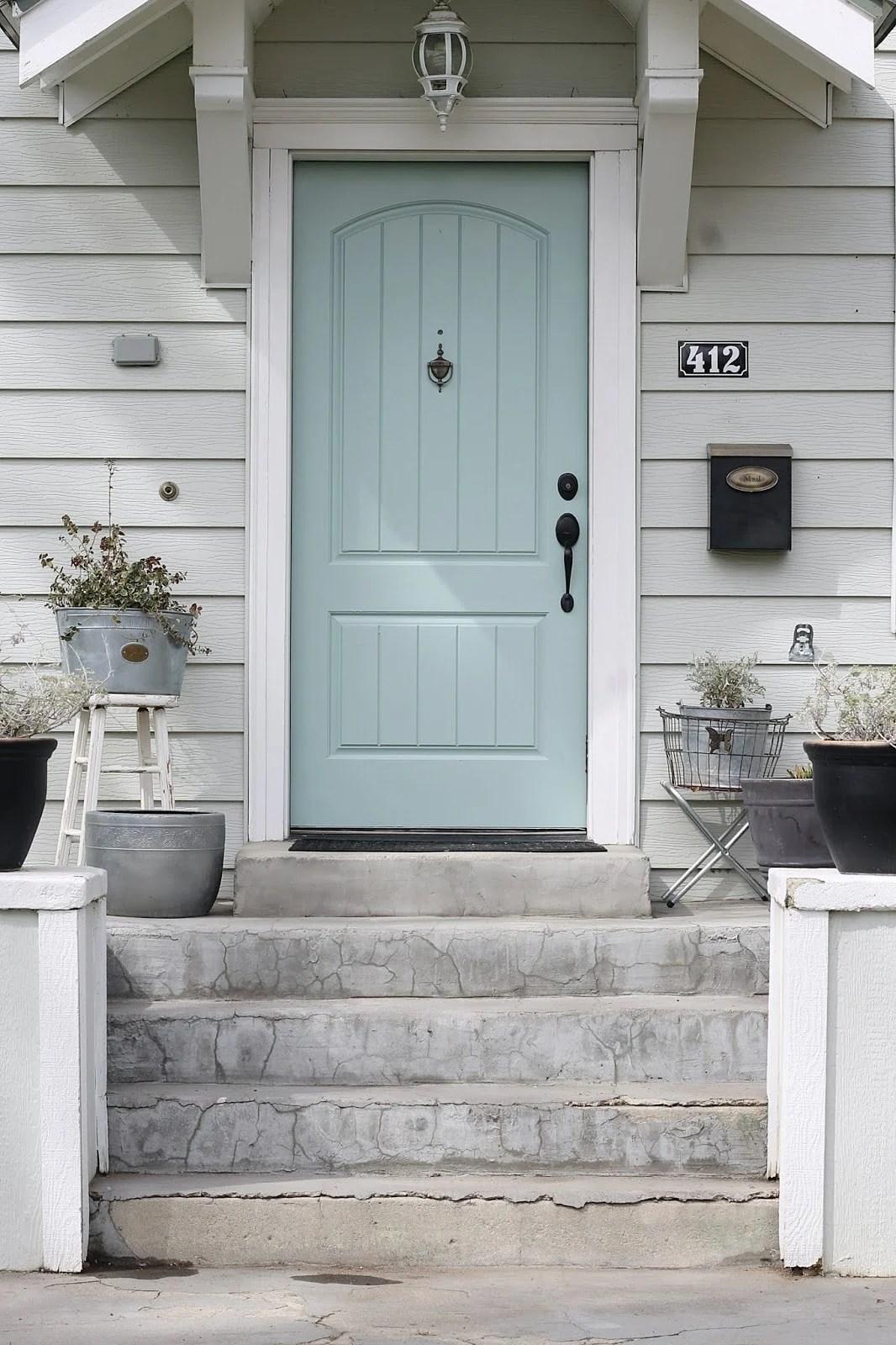 benjamin moore whythe blue front door