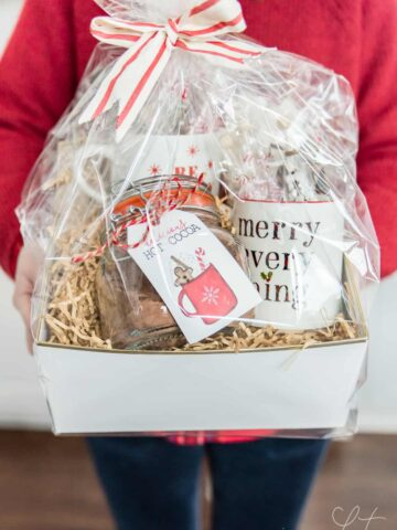 homemade hot chocolate mix gift basket
