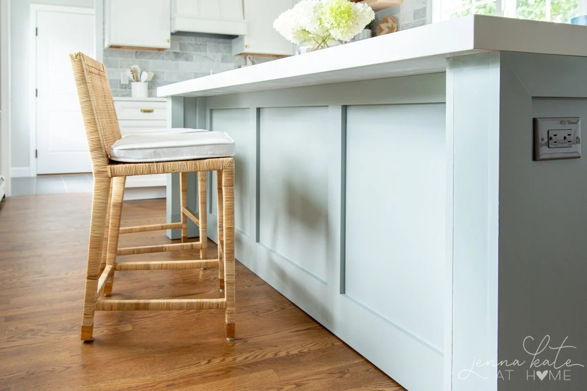 detail on the inside of kitchen island