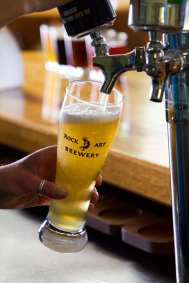 Rock Art Brewery Pouring Photography