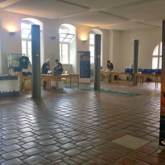 Startnummernausgabe im Rathaus