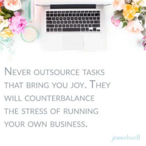 3 Tasks You Shouldn't Outsource As A Mamapreneur - Jenn Elwell