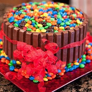 Kit Kat Ice Cream Cake