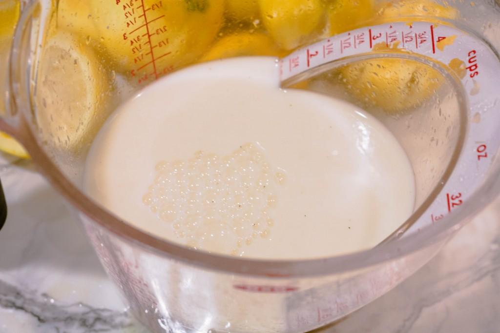 m&ms-easter-sundae-lemon-mini-muffins-recipe-8