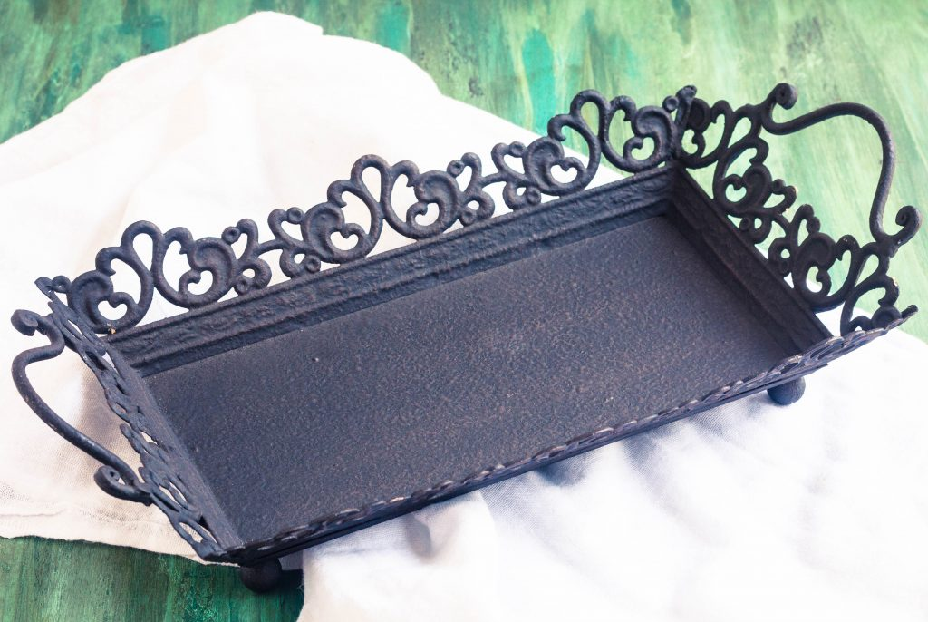 bits-of-vintage-black-tray