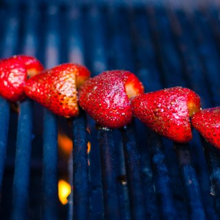 #CookOutWeek – Grilled Strawberries