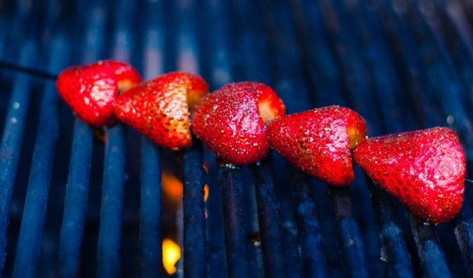 #CookOutWeek – Grilled Strawberries