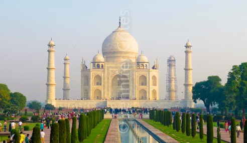 Taj Mahal in all its splendor