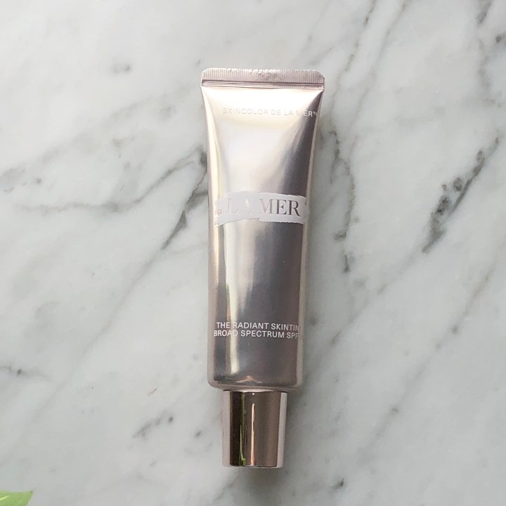 La Mer Radiant Skintint Review, Swatches, and Comparisons