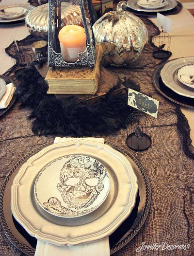 Halloween table decorations by Jennifer Decorates.com