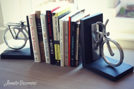 Accessorizing a bookshelf - 6 EASY steps