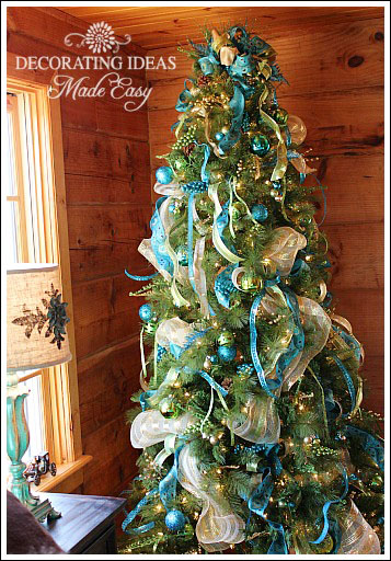 Christmas tree ideas great ideas on how to decorate your for Blue gold and white christmas tree