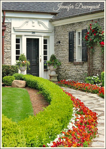 Exterior curb appeal ideas from Jennifer Decorates.com