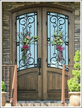 How Unique Is This Door Decoration? They Opted For Gathered Flowers! How  Simple And Easy Is That? Shop For Some Flowers With Coordinating Colors.