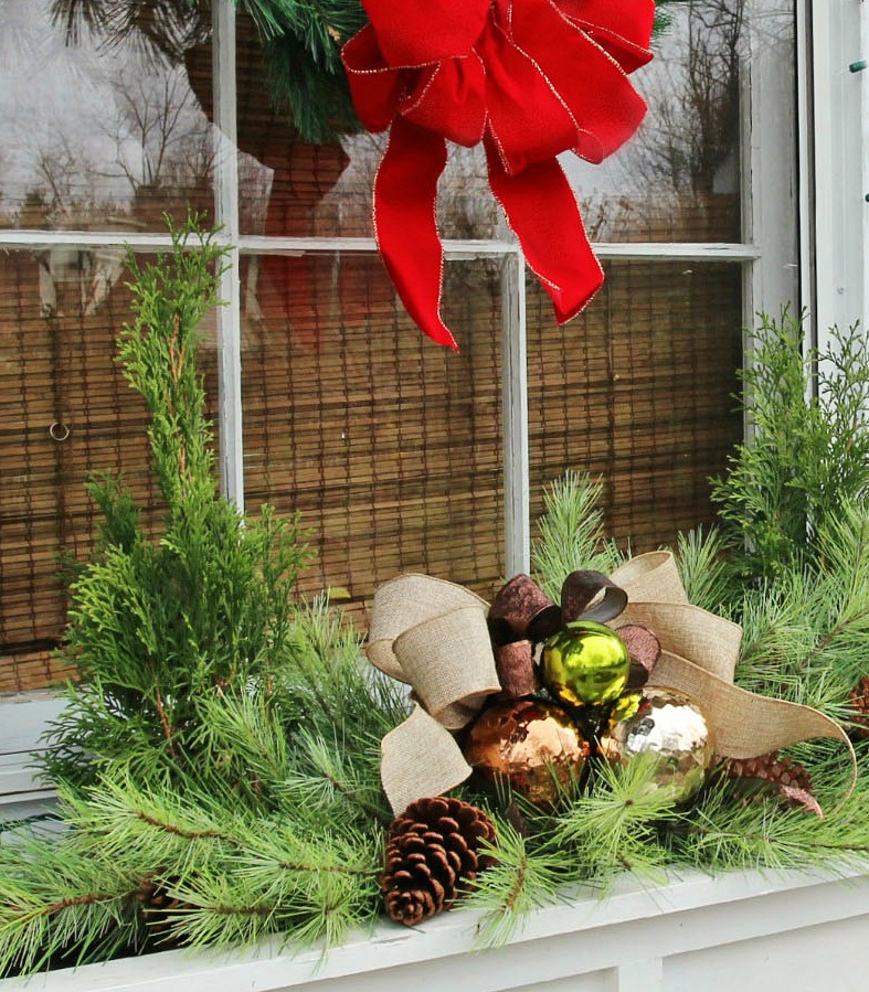 Easiest Christmas Window Box Idea Ever Christmas Decorations Crafts