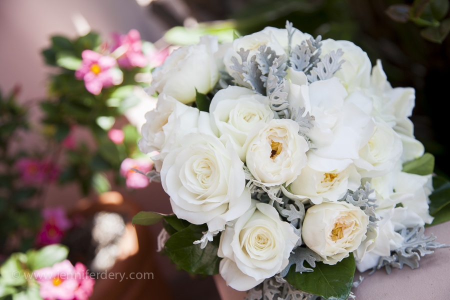 white wedding flowers at la valencia