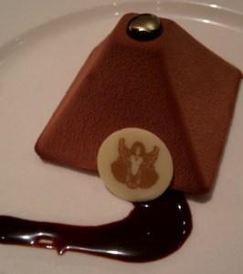 dessert pyramid