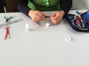 making-bracelet