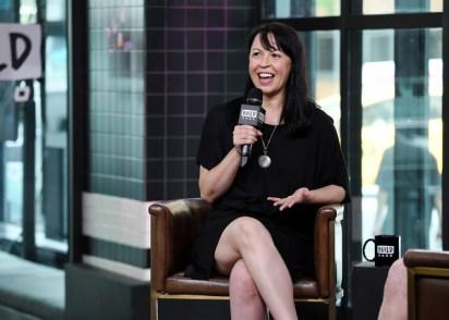 Jennifer+Keishin+Armstrong+Celebrities+Visit+zCgv6ARN-F9l