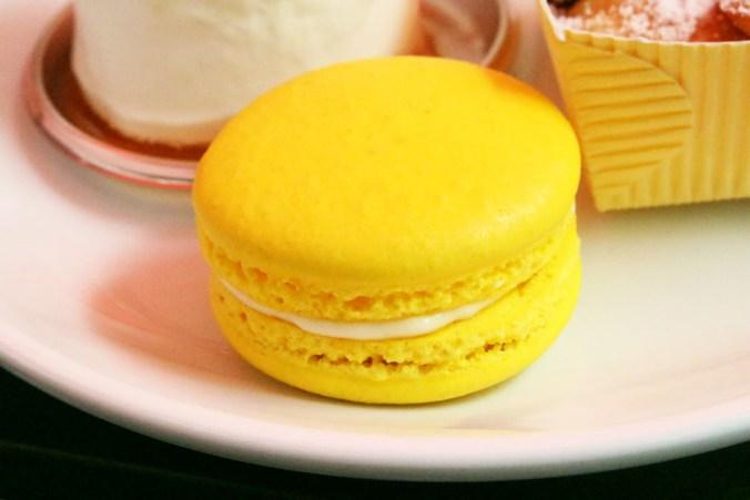 Lemon Macaron