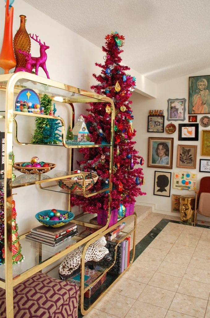 Retro Christmas Tree Decorating Ideas