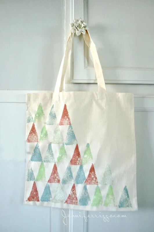 SUper easy na fun tote bag with sponge stamping with a boho flair