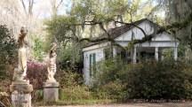 Side-house-w_statues