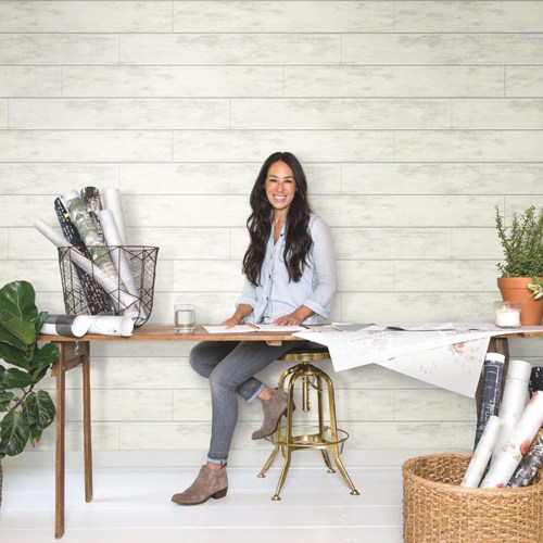 York-Wallcoverings-Joanna-Gaines-Magnolia-Home-Shiplap-Wallpaper-Roomset