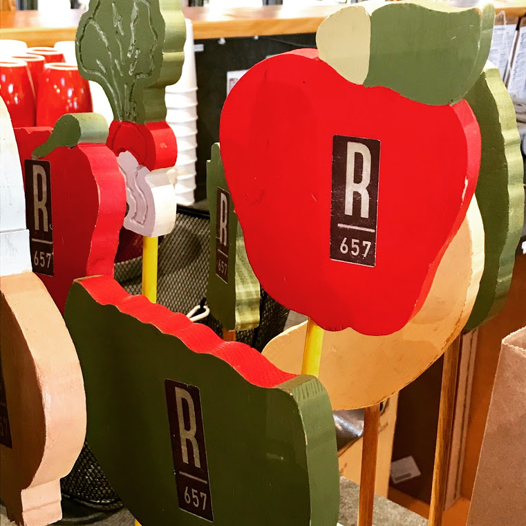 roots657 - table markers