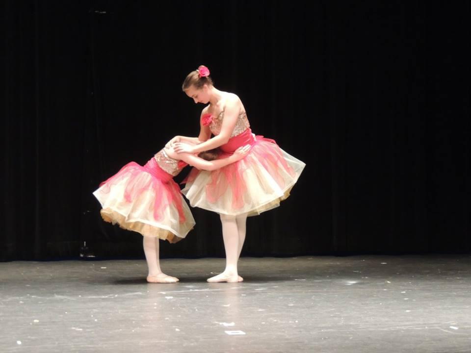 Rhythm and Arts - two ballerinas