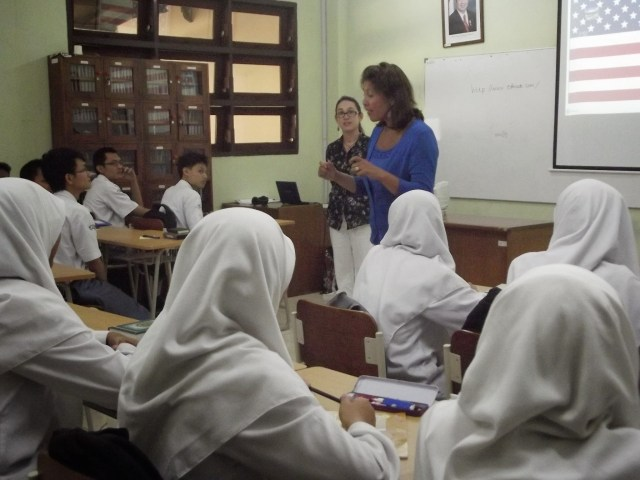 Communicating in an Indonesian school.