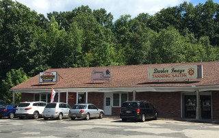 FOR LEASE: 1,500 sf Highly Visible Westfield Retail Unit