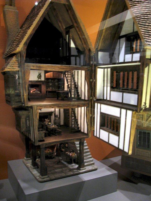 May 2013 Jenns Mini Worlds A Dollhouse Miniaturists
