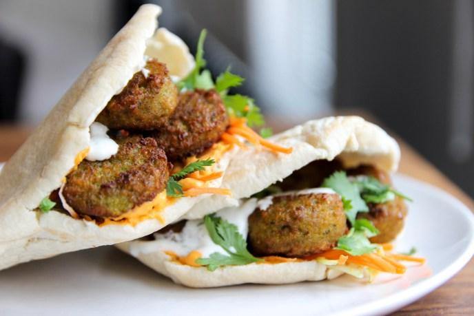 pita met falafel
