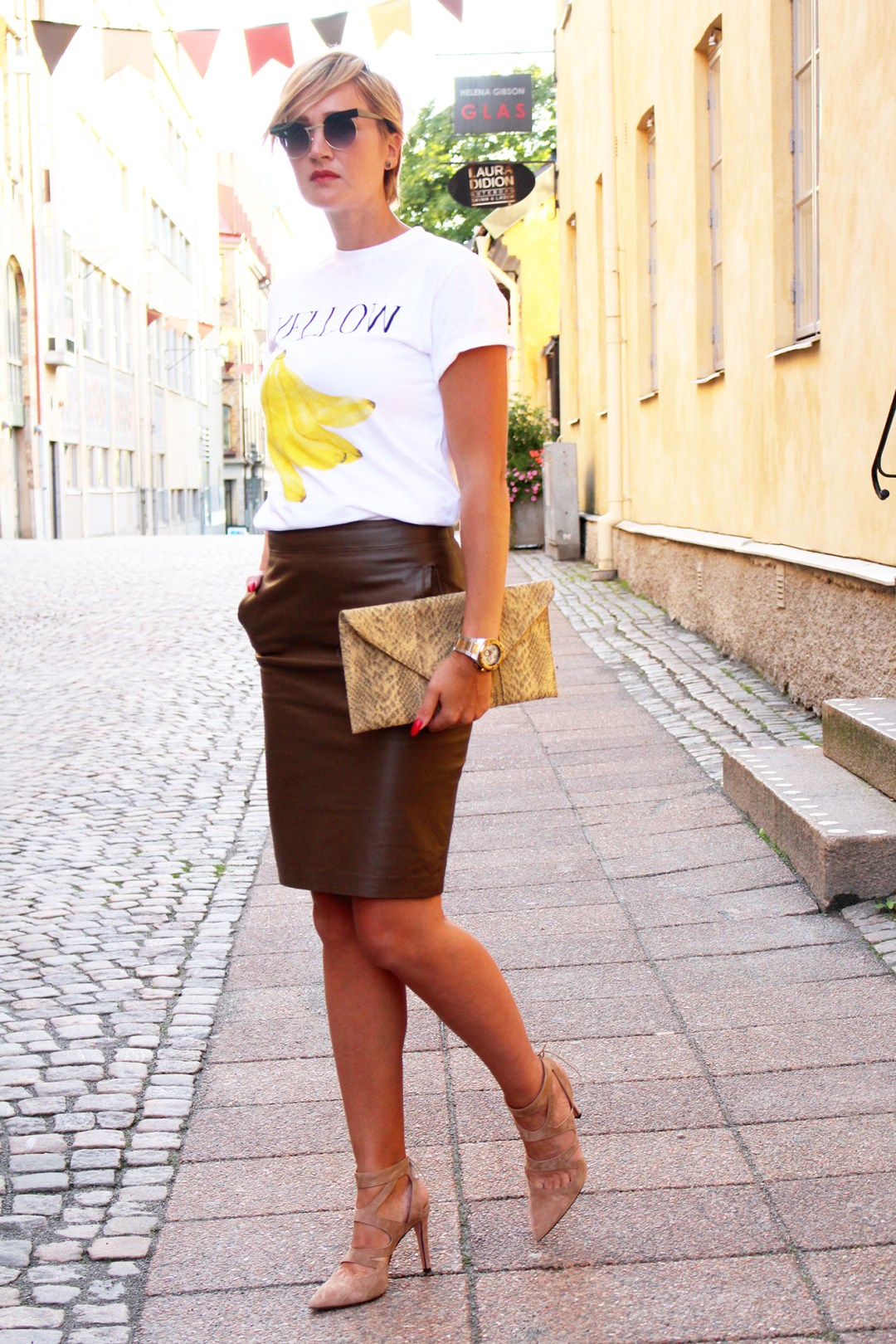 brown pencil skirt ootd