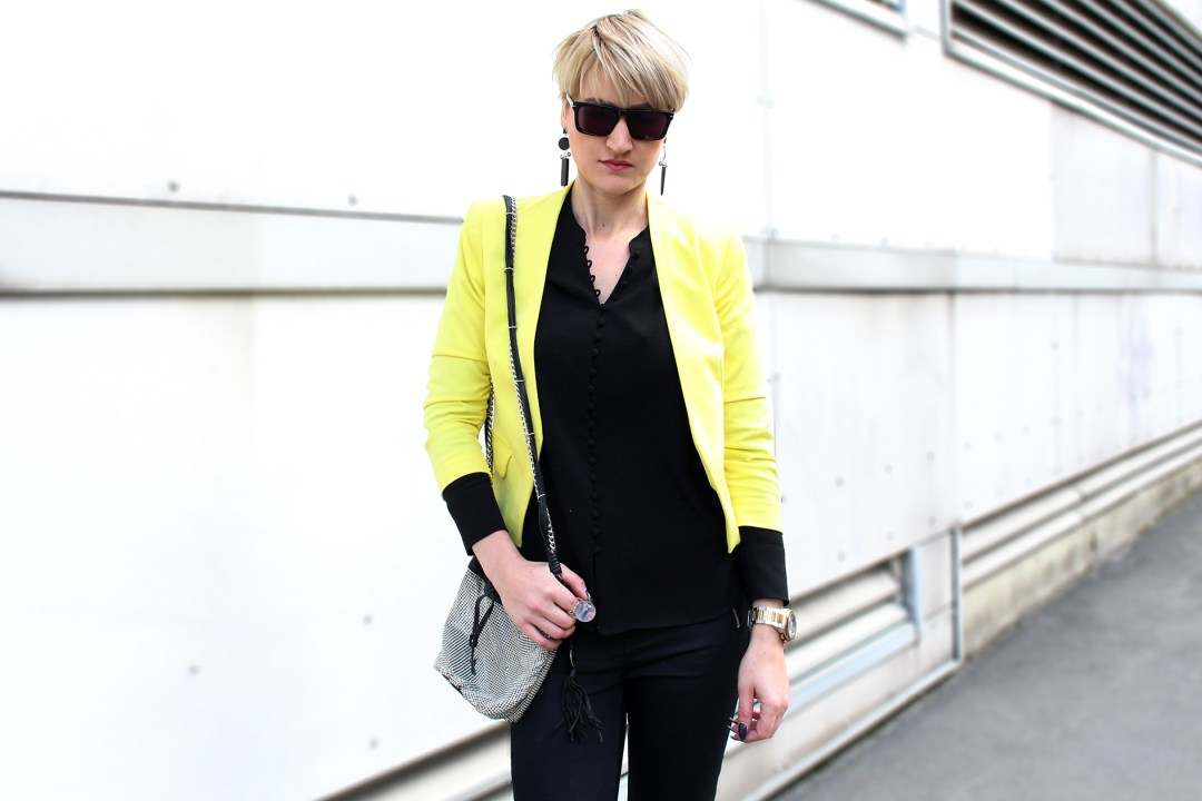 yellow jacket outfit