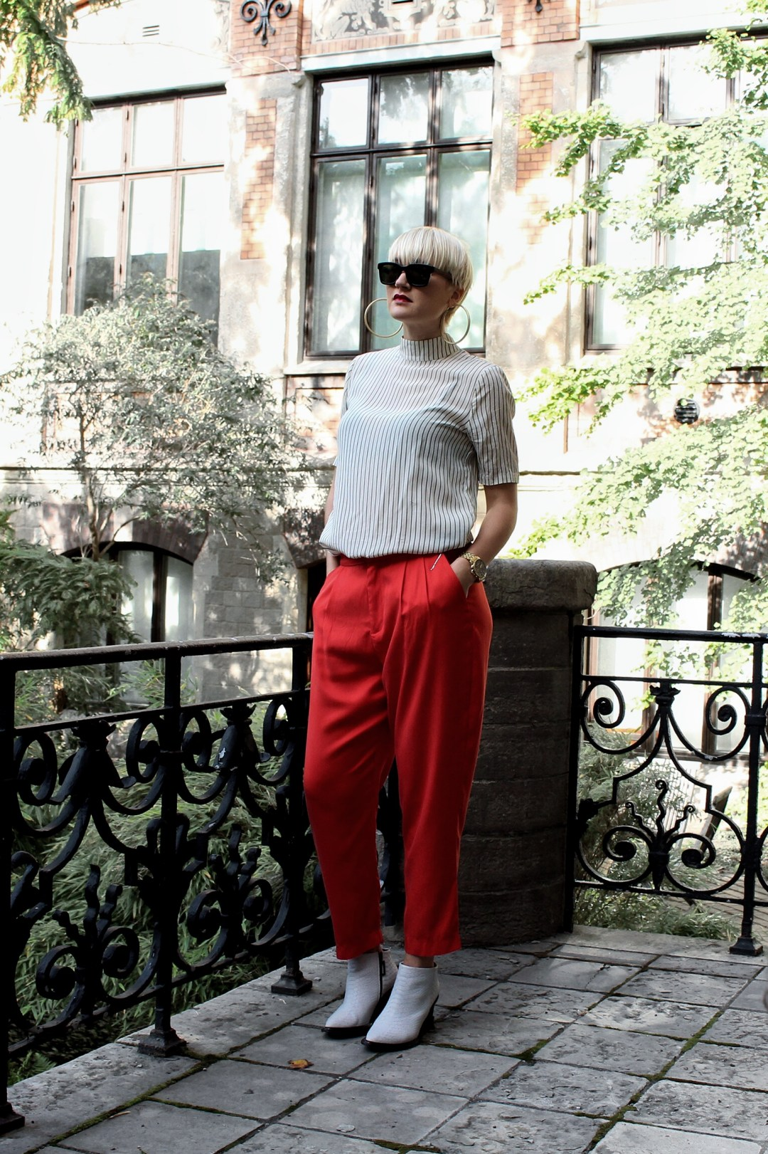 red trousers outfit inspiraton