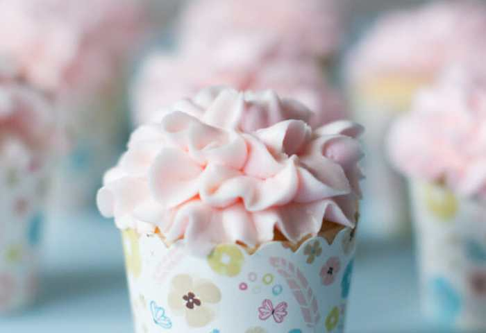 How To Make Ruffle Flower Cupcakes Jenny Cookies