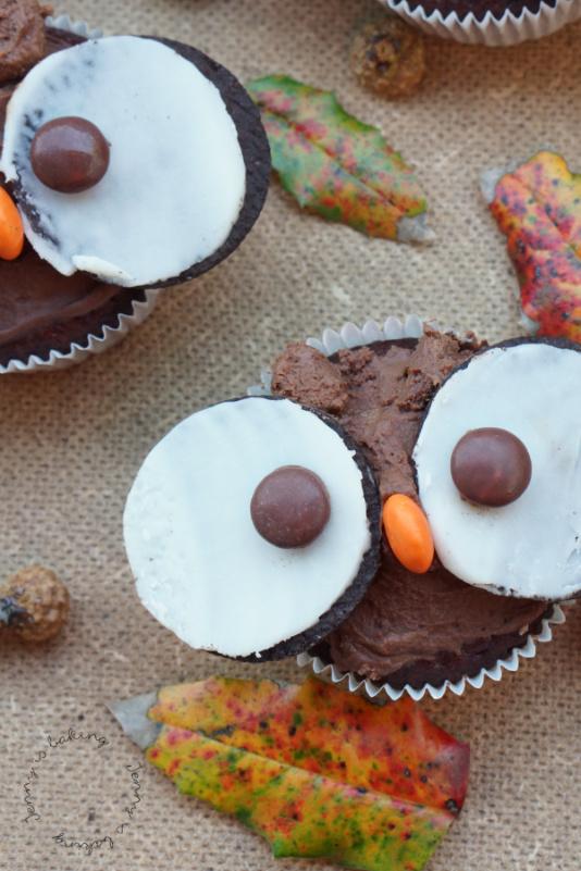 Süße Eulencupcakes