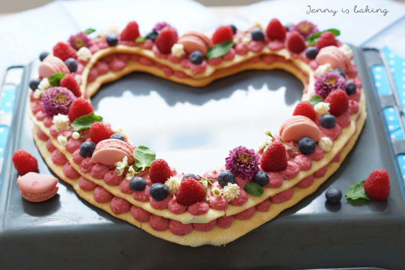 letter cake in heart-shape