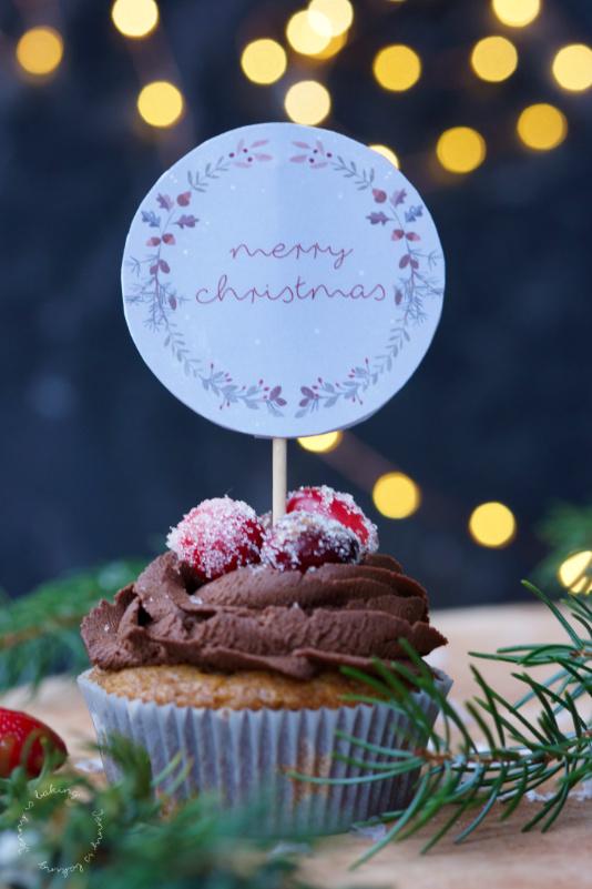Lebkuchen-Cupcakes mit Cranberry-Füllung