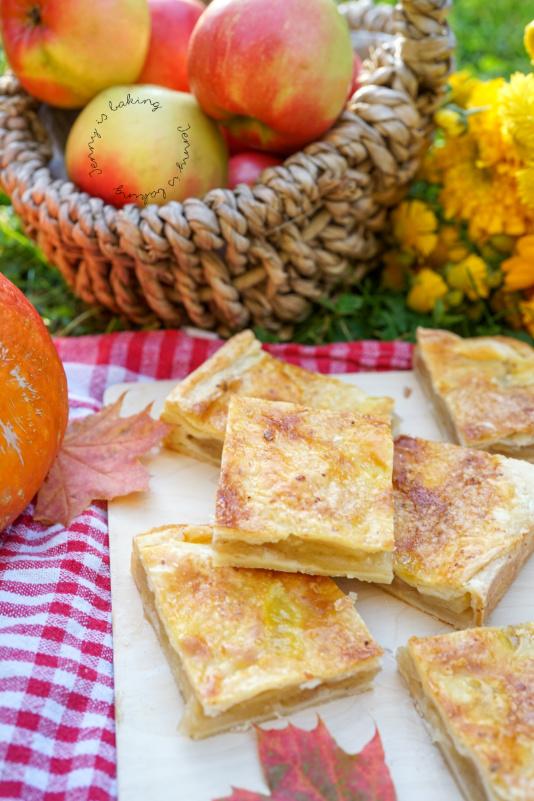 Einfacher und gesunder Apfel-Blechkuchen