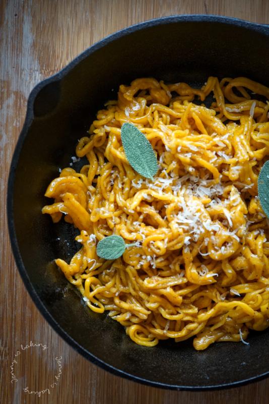 Vegane Kürbis-Pasta aus zwei Zutaten