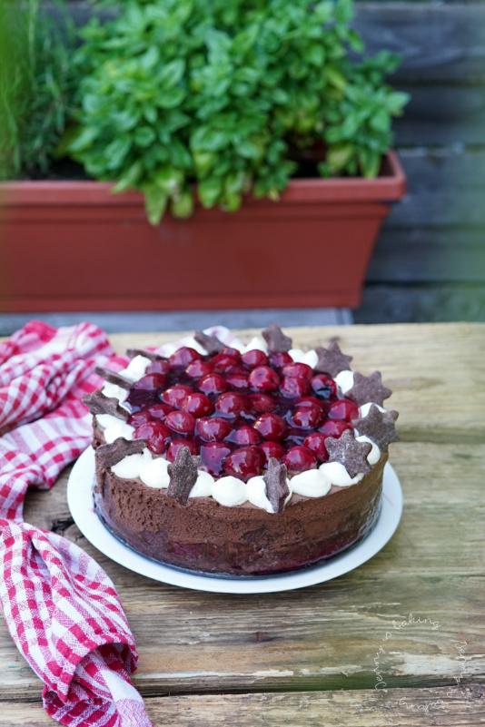 Kirsch-Schoko-Mousse-Torte