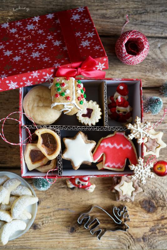 Wie man eine Weihnachtsplätzchendose verschickt